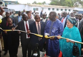President Weah and Dep. SG Mohammed cutting the ribbon at the building of  new ECOWAS Radio...