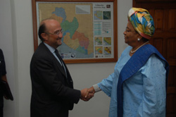 Spanish Ambassador Francisco Tejada and President Ellen Johnson Sirleaf at the Foreign Ministry.