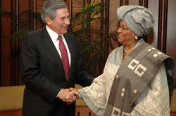 World Bank President Paul Wolfowitz and President Ellen Johnson Sirleaf in Washington DC, USA.