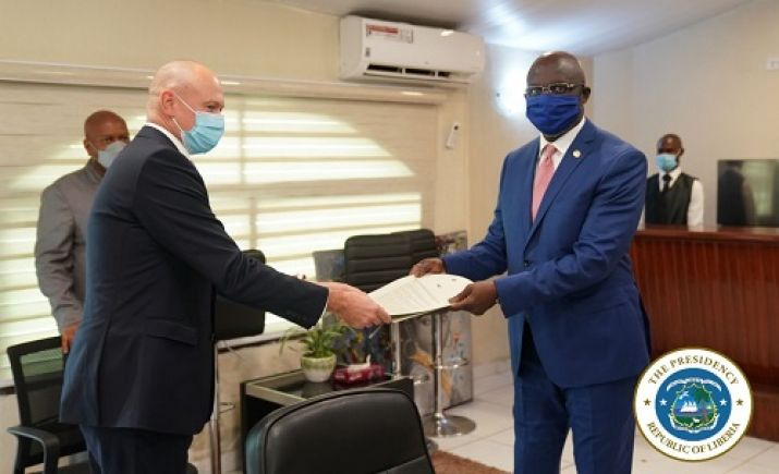 President Weah Receives Letter of Credence from New British Ambassador