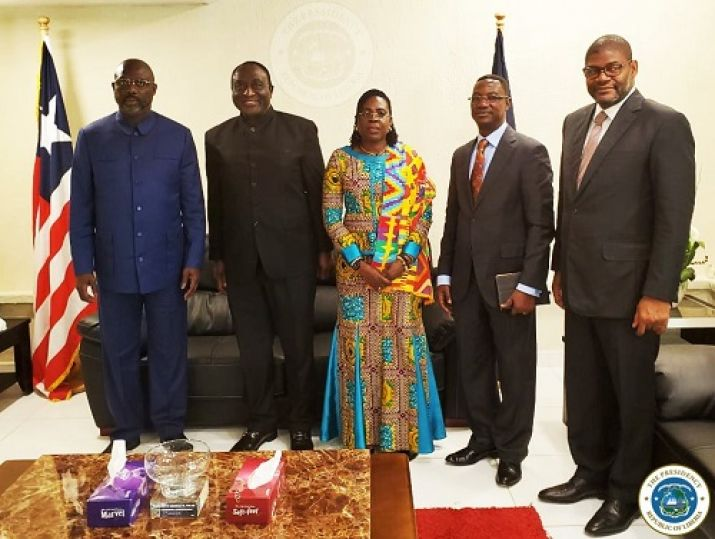 President Weah and Foreign Minister pose with  Ghana's Special Envoy and Minister of Trade and Industry, Alan Kyerematen and delegation visiting Liberia