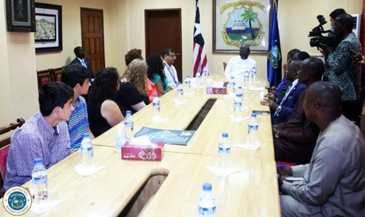 President Weah and other government officials meeting with visiting US Doctors