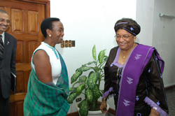 Visiting Rwandan senator Aloysie Inyumba meets President Sirleaf to deliver a goodwill message from President Paul Kigame of Rwanda.